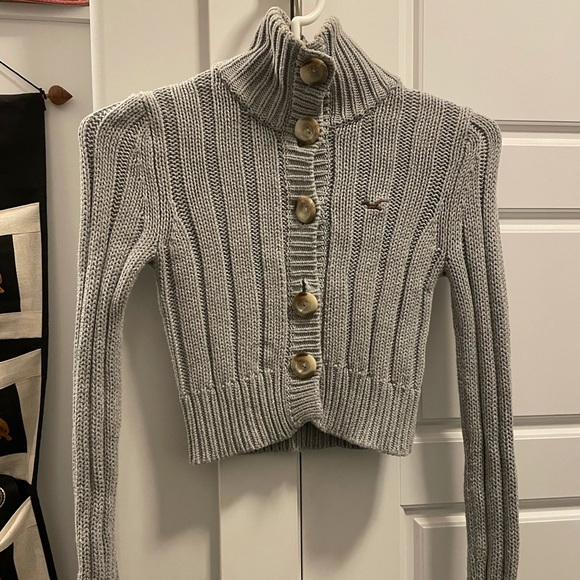 Hollister sweater/ 2 for $25